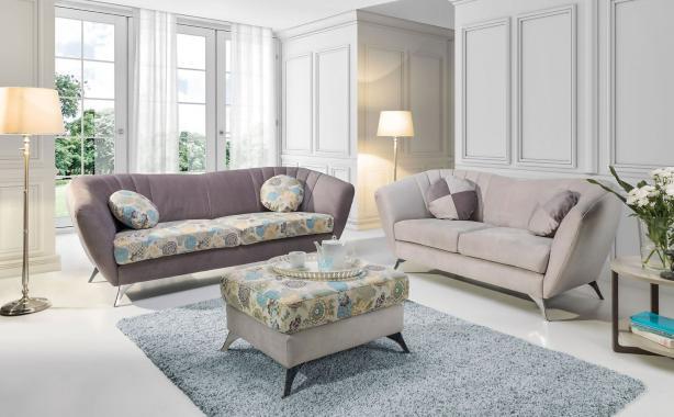 VITTORIO Sitzgarnitur: 3-Sitzer Sofa + 2,5-Sitzer Sofa + Hocker, Floralmotiv, Holz- oder Metallfüße