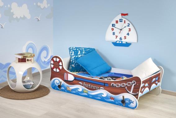 BOAT hojdacia detská posteľ v tvare lode s matracom
